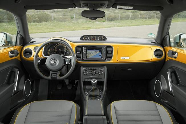 Volkswagen Beetle Dune - interior