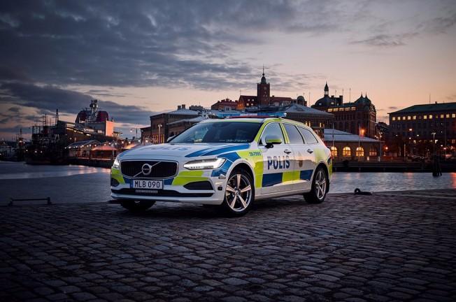 Volvo V90 - Coche de Policía
