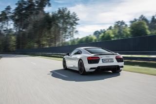 Fotos Audi R8 V10 RWD Foto 57