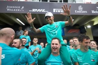 Fotos celebración Mercedes Mundial F1 2018 - Foto 5