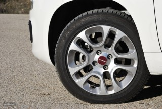 Fotos comparativa Fiat Panda y Peugeot 108 Foto 21