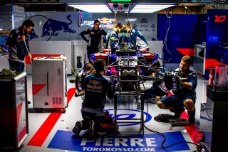 Fotos Pierre Gasly F1 2017 Foto 36
