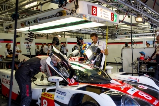 Fotos Fernando Alonso test Bahrein Toyota LMP1