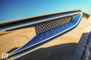 Fotos Jaguar F-Pace 25t AWD Foto 32