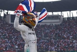 Foto 1 - Fotos Lewis Hamilton Campeón del Mundo F1 2017