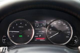 Lexus RC 300h 2019 Luxury Foto 43