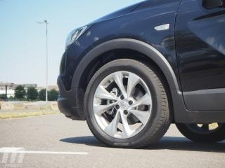 Fotos Opel Crossland X 1.2T Foto 15