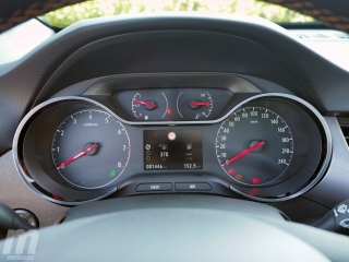 Fotos Opel Crossland X 1.2T Foto 28