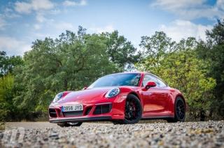 Fotos Porsche 911 Carrera 4 GTS Foto 9