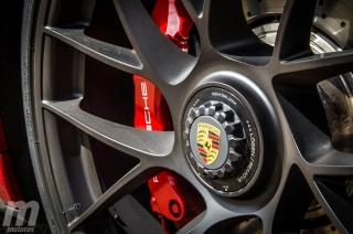 Fotos Porsche 911 Carrera 4 GTS Foto 16