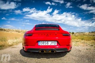 Fotos Porsche 911 Carrera 4 GTS Foto 18