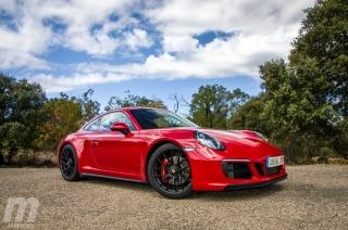 Fotos Porsche 911 Carrera 4 GTS Foto 19