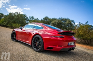 Fotos Porsche 911 Carrera 4 GTS Foto 3