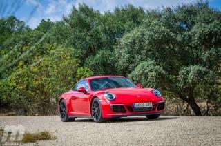 Fotos Porsche 911 Carrera 4 GTS Foto 24