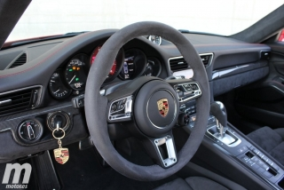 Fotos Porsche 911 Carrera 4 GTS Foto 31