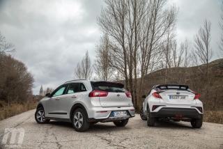 Foto 4 - Fotos Toyota C-HR vs Kia Niro