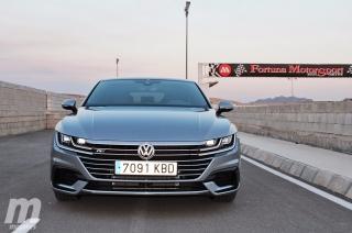 Foto 1 - Fotos Volkswagen Arteon en el Circuito Fortuna Motor Sport