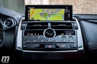 Lexus CT 200h y NX 300h 2018 Foto 42
