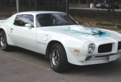 ASC hace un Pontiac Firebird Trans AM a partir de un Camaro moderno