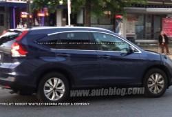 Foto espía del Honda CR-V 2012 casi al descubierto