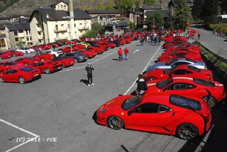La Asociación Española de Propietarios de Ferrari se concentra en Sevilla