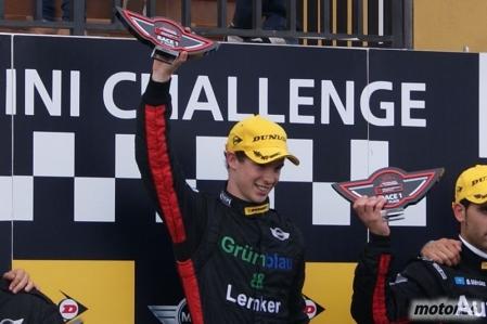 MINI Challenge 2011: Javier Villa sigue mostrando su potencial