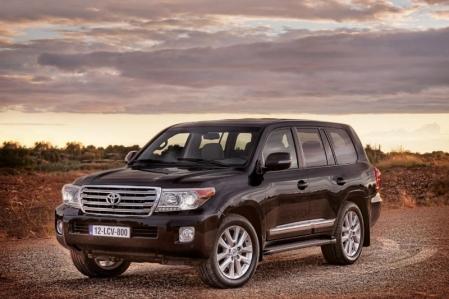 Esta es la nueva cara del Toyota Land Cruiser 2013