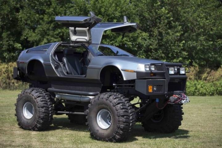 Los DeLorean más locos del mundo, con forma de cabrio, limusina o monster truck