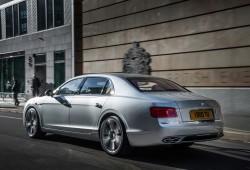 El Bentley Flying Spur estrena motor V8