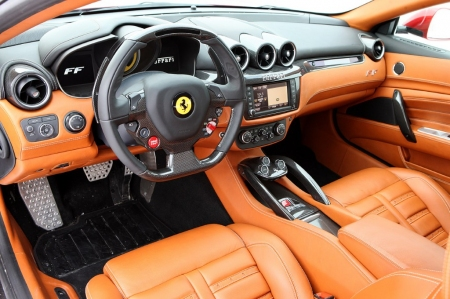 El Ferrari FF es el primer coche en usar Apple CarPlay