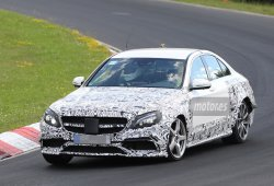 Mula descubierta con el chasis del Mercedes E63 AMG 2016