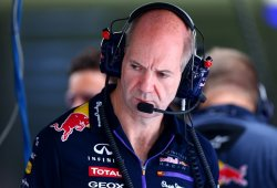 Newey: ''Si pintamos los coches de blanco no los distinguimos''