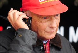 Niki Lauda se disculpa con Ferrari