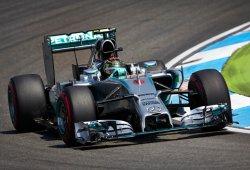 Rosberg corona la semana de su vida