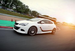 Irmscher le mete mano al Opel Astra GTC
