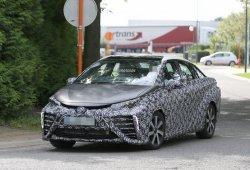 Toyota FCV 2015, fotos espía de la versión destinada a Europa