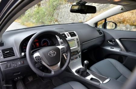 Toyota Avensis Cross Sport 120D (II): Diseño, habitabilidad y maletero