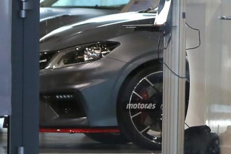 Nissan Pulsar Nismo 2015, espiado durante un evento interno