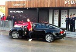Audi entrega al FC Barcelona los nuevos coches de sus jugadores