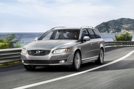 Suecia - Octubre 2014: Volvo V70 y Volkswagen Golf dominan el mercado