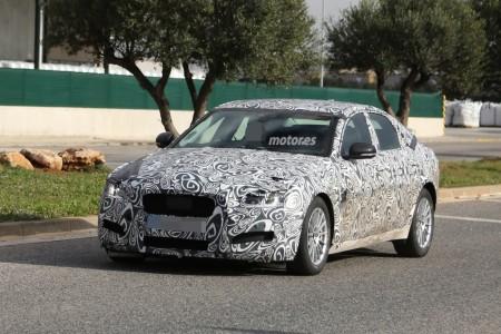 El Jaguar XF prosigue en su fase de pruebas