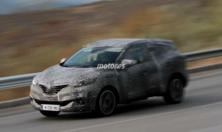Renault SUV 2016 pillado en video