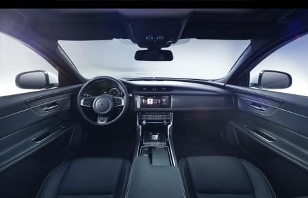 Jaguar XF 2016, primera imagen oficial del interior y video teaser