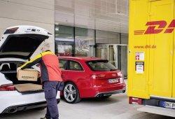 Audi, DHL y Amazon proponen recibir paquetes en el maletero de tu coche