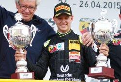 Mick Schumacher gana su primera carrera en monoplazas