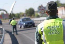 Un coche de la Guardia Civil sufre un accidente y se da a la fuga