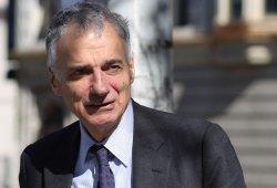 Ralph Nader alerta sobre los riesgos del coche autónomo