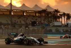 Rosberg vapulea a Hamilton en la última pole de 2015