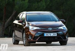 Prueba Toyota Avensis Touring Sports 150D Executive: Exterior e interior (II)