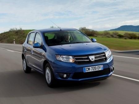 Francia - Diciembre 2015: El Dacia Sandero se mete en el Top 5
